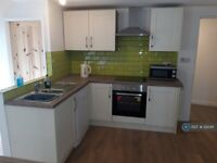 2 bedroom flat in Tor Road, Newquay, TR7 (2 bed) (#1212411)