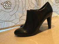 Beautiful new NEXT shoes £10 size 8