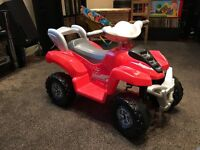 KIDS ELECTRIC QUAD BIKE RIDE ON IN EXCELLENT CONDITION AND SUITABLE FROM ABOUT AGE 2 UPWARDS