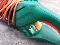 B&D electric hedge trimmer GR1000 400W