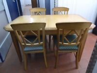 ITALIAN DESIGN OAK DINING TABLE, CHAIRS & MATCHING SIDEBOARD