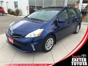 2012 Toyota Prius v LUXURY PKG WITH NAVIGATION