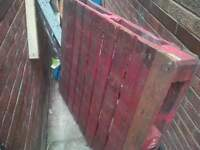 pallet free to collect