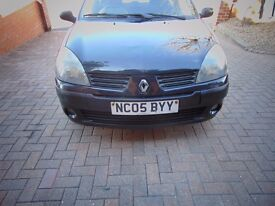 Renault clio 1 years Mot great driver serviced