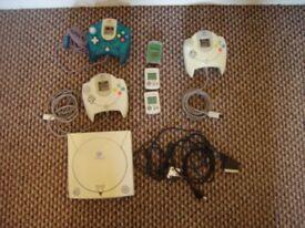 Boxed sega Dreamcast console , 3 controlers , 3 vmu's , 5 games