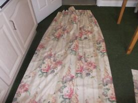 Lovely lined curtains complete with rail very good condition