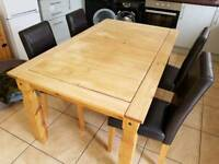 Corona Table with 4 chairs