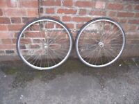 Front and Rear MAVIC T221 700 (622x19) Road Bike Wheels with Good Tyres