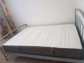 Beautiful, clean and airy room to rent in Grove Park with other 1 person in the house