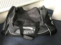 Slazenger Wheel Holdall Sportsbag