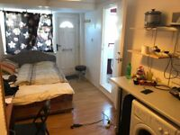 SB lets are delighted to offer this fully furnished studio close to Fiveways, ALL BILLS INCLUDED!