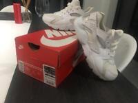 Girls Nike Huaraches White