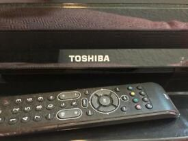"32"" BLACK TOSHIBA TV"