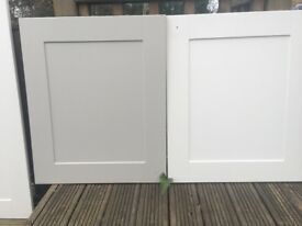 Shaker style kitchen unit doors in dakar & oyster. Various sizes. Very goodcondition under 2yrs old
