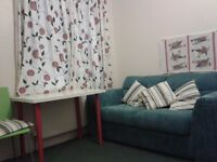 Beautiful clean double all bills wi-fi etc. exactly 4 mins walk to East ham tube station, zone 3