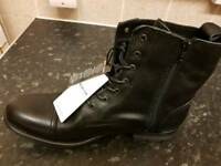 Jack Jones black size 11 savek boots
