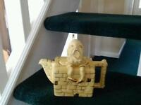 Humpty Dumpty teapot yellow and gold made by lingard stamped no 880100 great condition