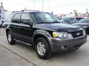 2006 Ford Escape XLT 4WD 3.0L V6 LEATHER ONLY 101,000KMS!