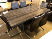 Ex-display**Stunning high gloss dining table and 6 chairs - Extendable