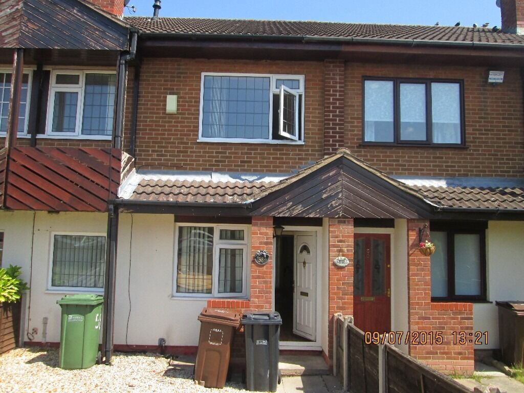 **THREE BEDROOMS**SPACIOUS LOUNGE**EXCELLENT LOCATION**CLOSE TO ALL AMENITIES**STONEBRIDGE CRESCENT*