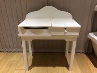 Little girls white desk from Verlbaudet. Suitable for decoupage