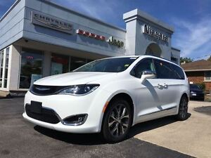 2017 Chrysler Pacifica LIMITED,LEATHER,HTD SEATS,20'S