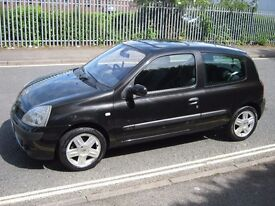 2004 Renault Clio 1.2 16V Dynamique.Low miles and service history.