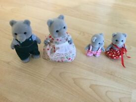 Sylvanian Families - grey bear family