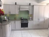 Mereway Shaker EX display kitchen including worktops