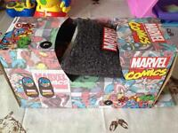 Slippers - size L 10/11 - new in box Marvel Comics