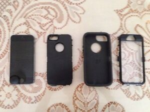IPHONE 5S IN AMAZING CONDITION WITH OTTER BOX!