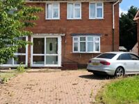 **LOVELY SEMI-DETACHED PROPERTY TO LET* *THREE BEDROOMS*WARSTOCK*