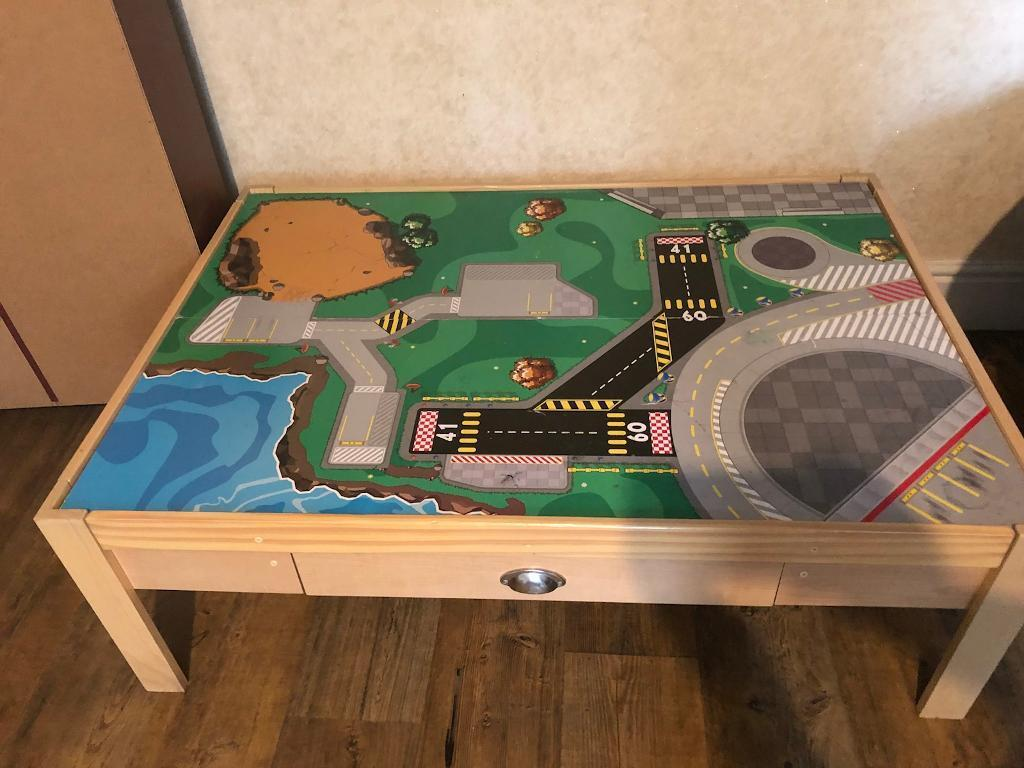 Play table/ coffee table