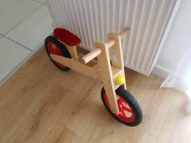 Wooden balance bike very good condition 10£