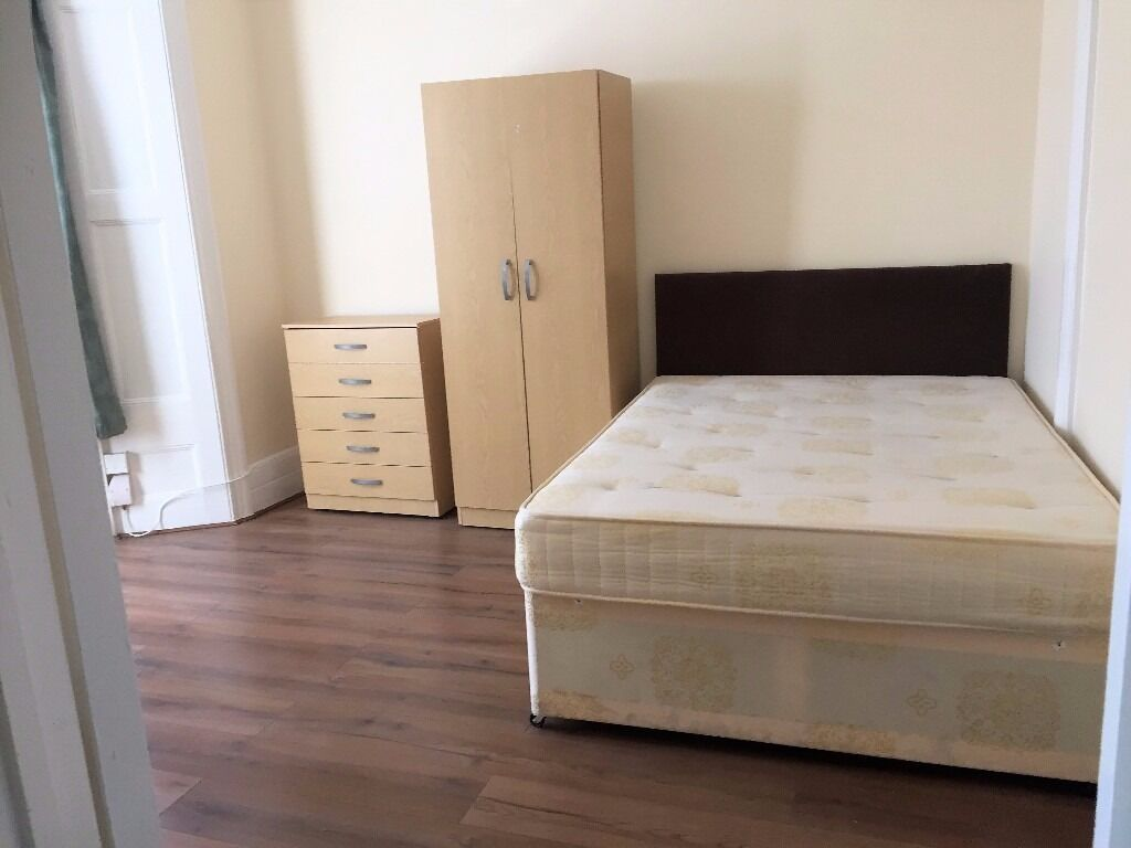 PROPERTY HUNTERS ARE PLEASED TO OFFER 5 DOUBLE ROOMS TO RENT FOR £520PCM-£650PCM IN FOREST GATE !!