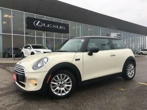 2015 MINI Cooper 3 Door Cooper, Leather, Pano roof, Auto