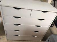 Set of white drawers