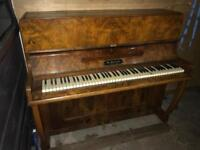 Piano to sell + Delivery