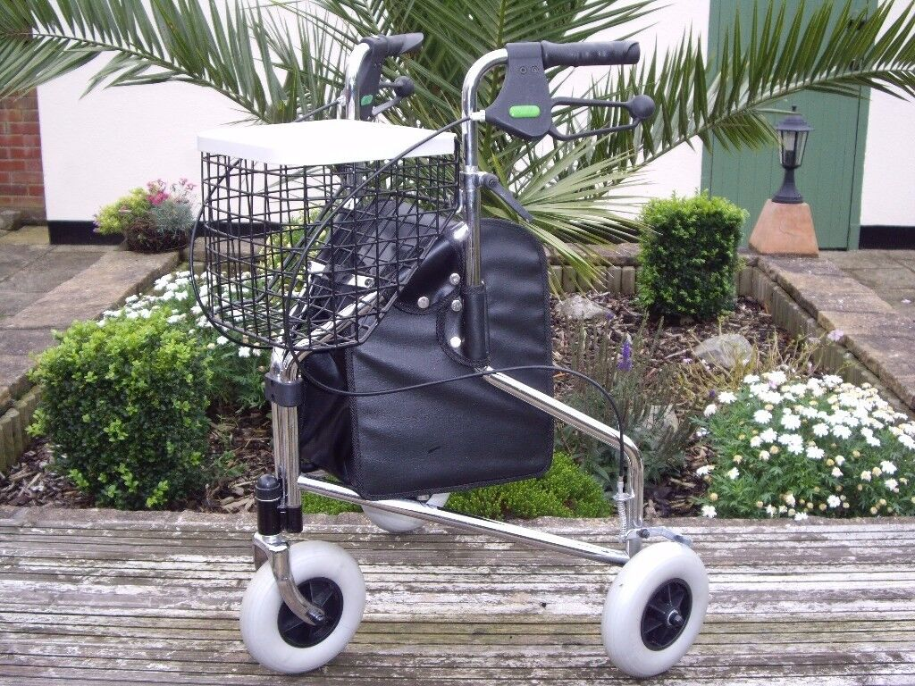 3 WHEELROLLATOR COMPLETE WITH SHOPPING BASKET AND BAG .