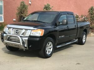 2012 Nissan Titan Crew Cab Long Box 4x4 *Super Low KM*
