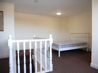 SUPERB LARGER THAN AVERAGE 3 DOUBLE BEDROOM HOUSE TO LET £69.00 PER WEEK PER PERSON