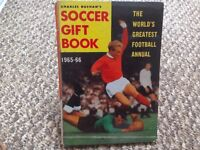 Soccer Gift Book - Charles Buchan's The World's Greatest Football Annual 1965-66 Vintage Memorabilia