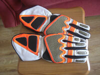 Brand New Leather Motocross Motorbike Gloves.