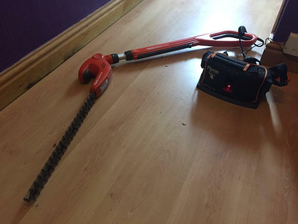 FLYMO SABRE 24V CORDLESS HEDGE TRIMMERS !!! REDUCED !!!