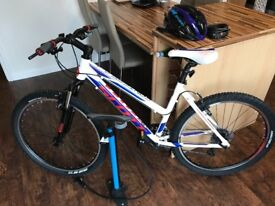 Women's Mountain Bike & accessories Large, As new