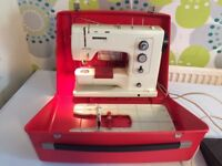 Bernina 830 Sewing Machine with Pedal (Working)