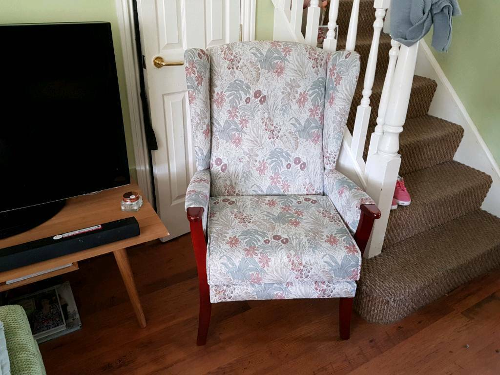 Vintage Retro Style High Back Wing Armchair Fireside Chair Bedroom Hall