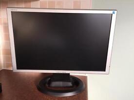 "18"" Widescreen Computer monitor"