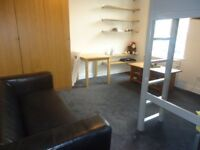 Spacious and bright split level 1st floor studio flat. Set in a quiet road and within 7 minut