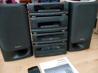 Technics SC-CH550 Stereo with speakers and remote. Amp, CD player, FM Radio Tuner and tape deck.